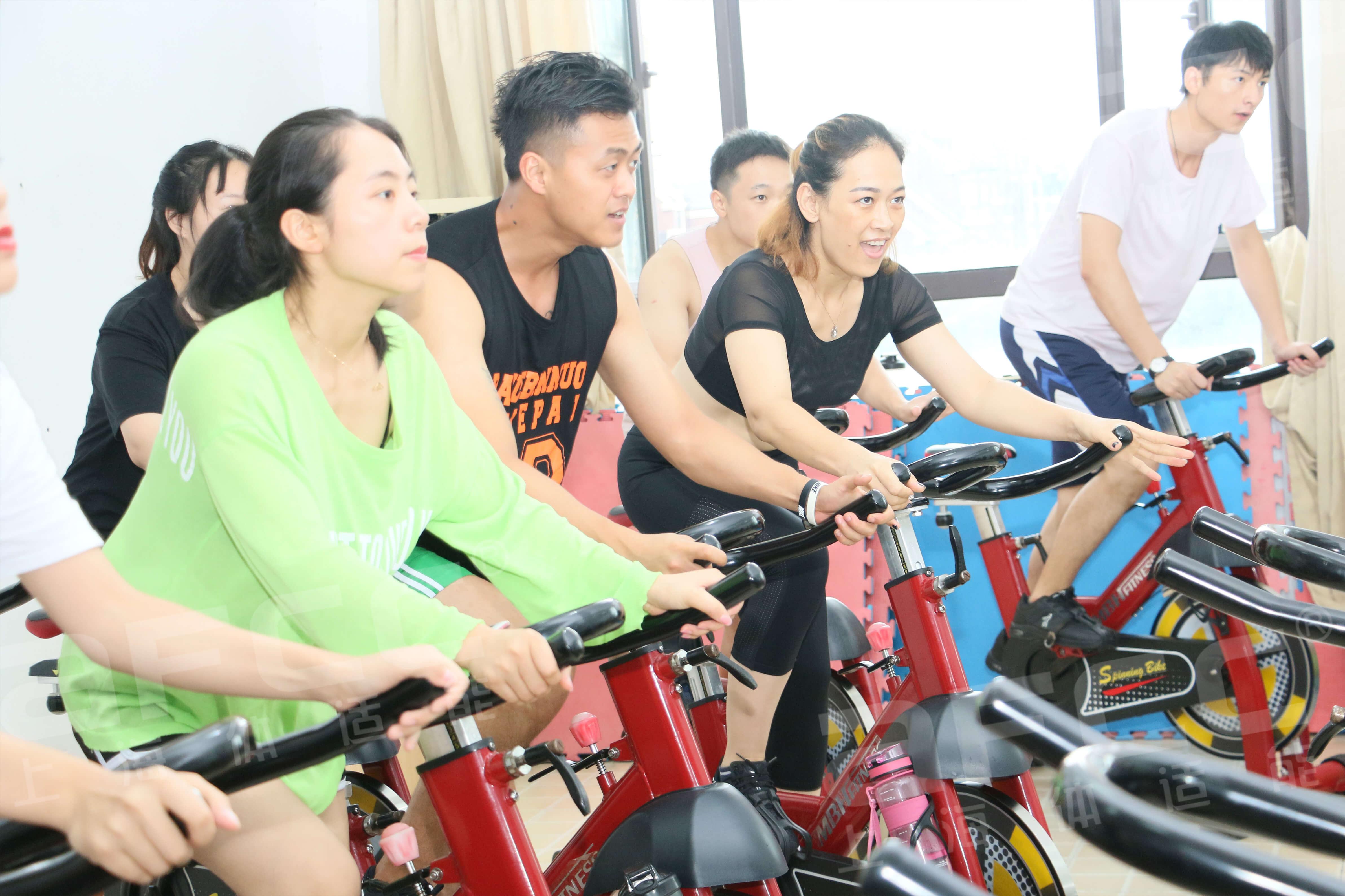 主要锻炼练习者的心肺功能