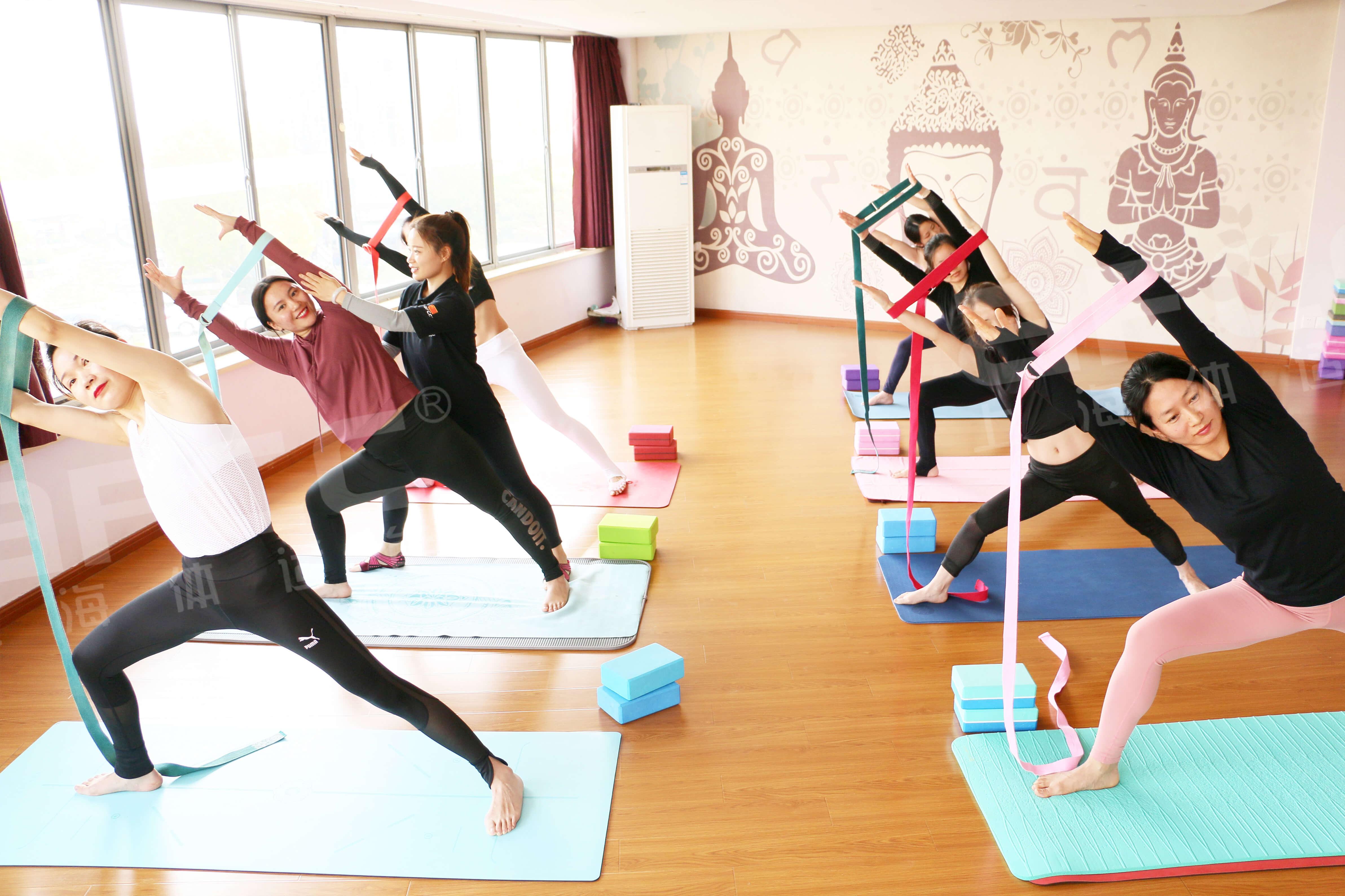 瑜伽教练职业生命长,瑜伽是终身运动
