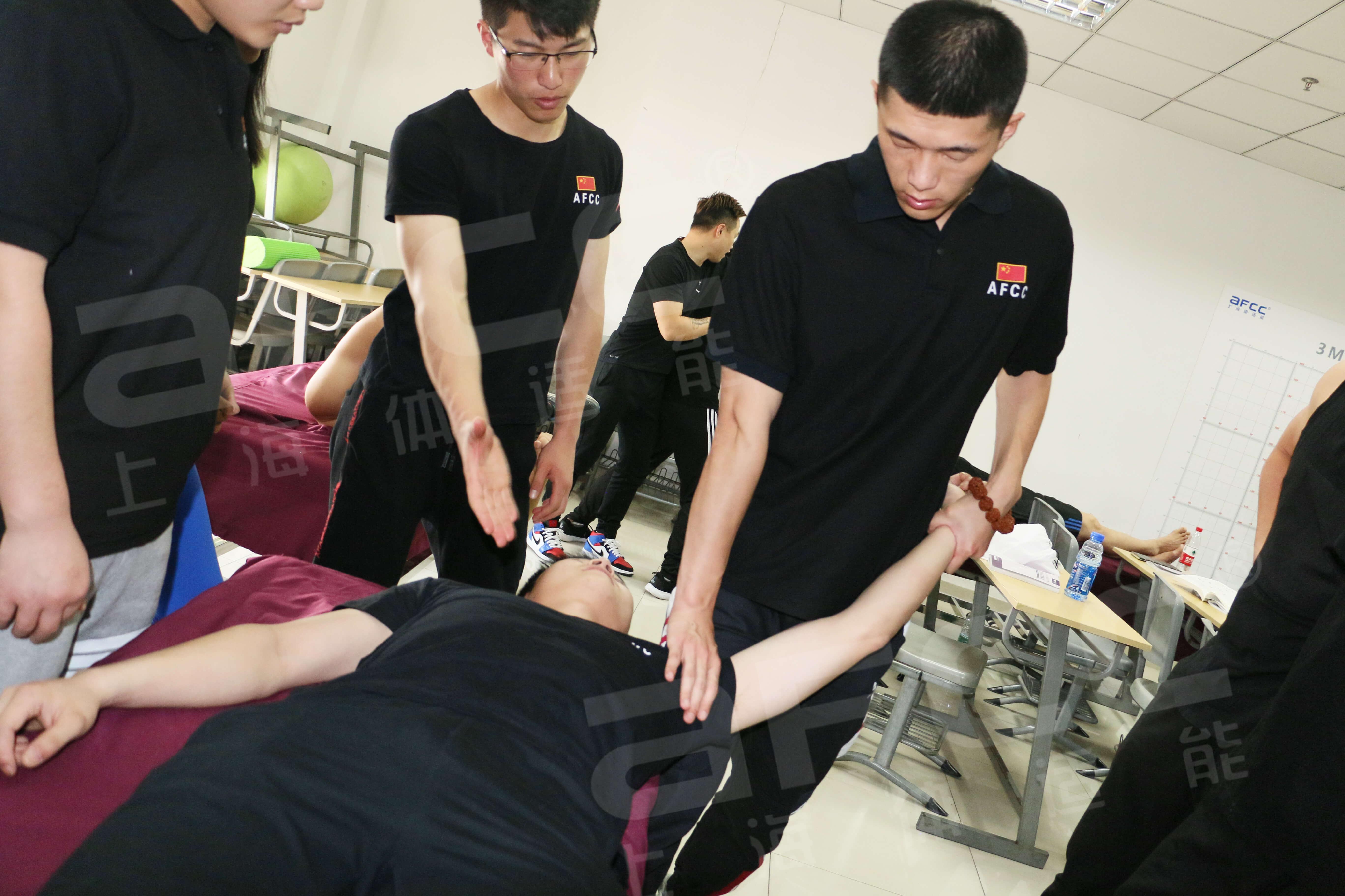 3M拉伸通过控制病患的体姿、体态进行拉